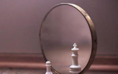 Мания величия: симптомы и признаки у мужчин и женщин. Как вести себя с человеком, у которого мания величия?