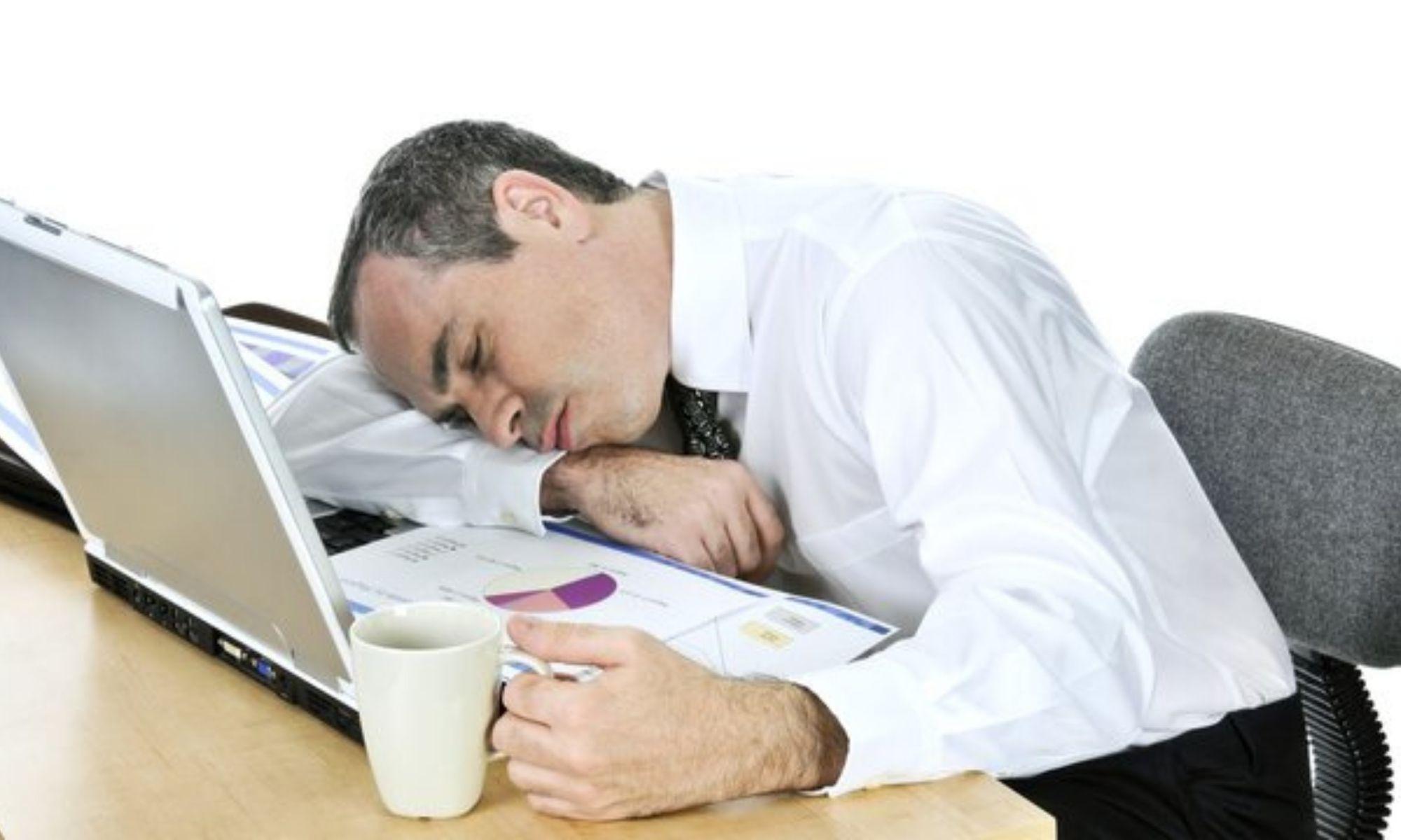 Во сколько лечь спать, чтобы встать бодрым и отдохнувшим